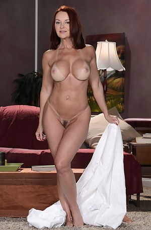 Free Cougar MILF Porn Pictures
