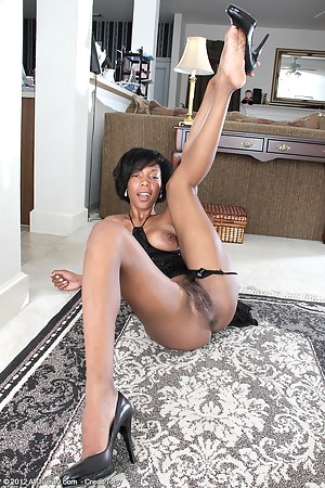 Free Black MILF Porn Pictures