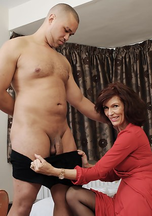 Free MILF CFNM Porn Pictures